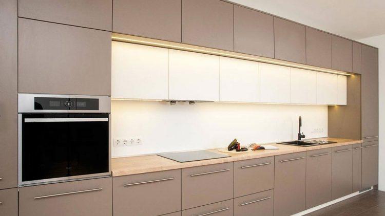 Virtuvės baldų gamyba – sprendimas nestandartinėms patalpoms