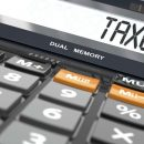 Išlaidos, mokesčių skaičiavimas, banko sąskaitos.