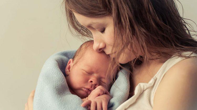 Prekyba motinystės atostogose, sąskaitos faktūros
